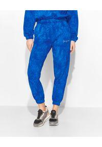 LOVE & ROSE - Niebieskie spodnie dresowe Kelly. Kolor: niebieski. Materiał: dresówka