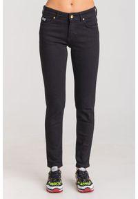 Jeansy Versace Jeans Couture w kolorowe wzory, eleganckie