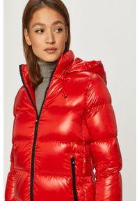 Czerwona kurtka Calvin Klein Jeans na co dzień, casualowa, z kapturem