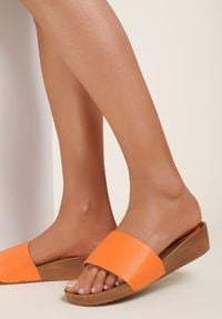 Renee - Pomarańczowe Klapki Morven. Kolor: pomarańczowy