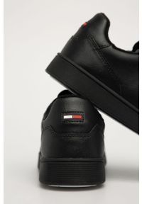 Czarne sneakersy Tommy Jeans z cholewką, z okrągłym noskiem, na sznurówki