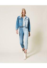 TwinSet - Dwukolorowa kurtka jeansowa Twinset. Kolor: niebieski. Materiał: jeans. Długość rękawa: długi rękaw. Długość: długie