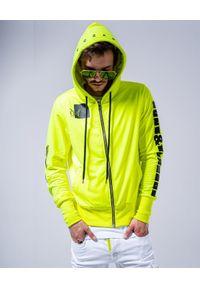 GUNS & TUXEDOS - Neonowa bluza z kapturem Navaho. Okazja: na co dzień. Typ kołnierza: kaptur. Kolor: żółty. Materiał: bawełna, tkanina, jeans. Styl: elegancki, casual