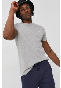 Tommy Jeans - T-shirt. Okazja: na co dzień. Kolor: szary. Materiał: bawełna, dzianina. Wzór: gładki, aplikacja. Styl: casual