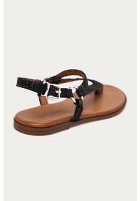 Czarne sandały Wojas gładkie, na klamry