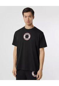 Burberry - BURBERRY - Czarna koszulka z grafiką z logo. Okazja: na co dzień. Kolor: czarny. Materiał: dresówka, jeans, bawełna. Wzór: nadruk. Styl: casual
