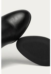 Czarne botki Answear Lab wakacyjne, na zamek, z cholewką
