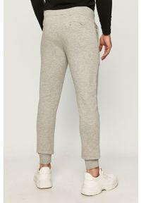 Szare spodnie dresowe Diadora