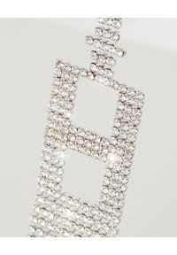 RETROFETE - Kolczyk z cyrkoniami H. Materiał: srebrne. Kolor: srebrny. Wzór: aplikacja. Kamień szlachetny: cyrkonia