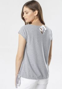 Born2be - Szary T-shirt Caliphei. Kolor: szary
