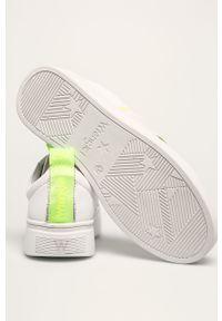 Białe buty sportowe Wrangler na sznurówki, na obcasie, z cholewką, z okrągłym noskiem