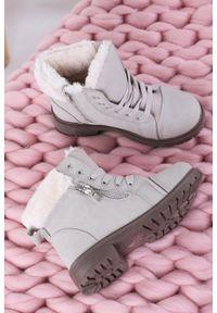 Szare buty zimowe Casu