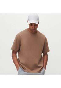 Reserved - T-shirt oversize - Brązowy. Kolor: brązowy