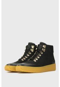 Czarne sneakersy Kazar Studio na sznurówki, z cholewką, z okrągłym noskiem