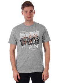 T-shirt Szary Męski z Nadrukiem, Krótki Rękaw, Just Yuppi, Koszulka, Manhattan, New York. Okazja: na co dzień. Kolor: szary. Materiał: poliester, bawełna. Długość rękawa: krótki rękaw. Długość: krótkie. Wzór: nadruk. Styl: casual