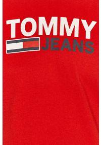 Czerwony t-shirt Tommy Jeans casualowy, na co dzień