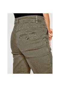 Zielone jeansy slim Laurèl
