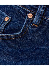 ONETEASPOON - Jeansy rurki High Waist Freebirds II. Stan: podwyższony. Kolor: niebieski. Wzór: aplikacja. Styl: klasyczny