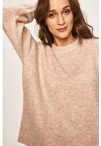 Różowy sweter only casualowy, z okrągłym kołnierzem
