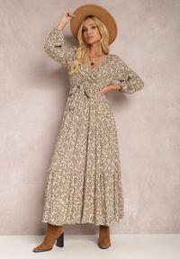 Renee - Beżowa Sukienka Thesena. Kolor: beżowy. Materiał: tkanina, materiał. Długość rękawa: długi rękaw. Wzór: kwiaty, aplikacja, nadruk. Typ sukienki: kopertowe, dopasowane. Długość: maxi #2