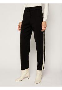 Czarne spodnie dresowe Silvian Heach