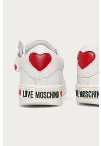 Love Moschino - Buty. Nosek buta: okrągły. Zapięcie: sznurówki. Kolor: biały. Materiał: guma. Obcas: na platformie