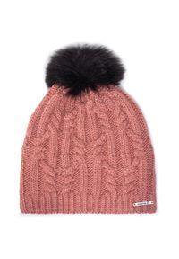 Różowa czapka salomon