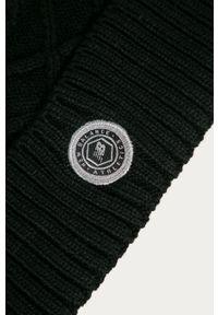 Czarna czapka New Balance