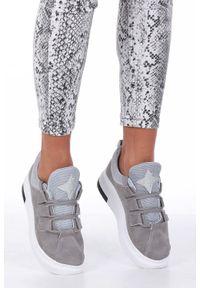 Szare buty sportowe Casu z cholewką, na uczelnię, w kolorowe wzory