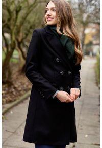 Marie Zélie - Płaszcz Debora czarny – wełna Nova Fides. Kolor: czarny. Materiał: wełna. Wzór: ze splotem. Styl: klasyczny