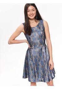 Beżowa sukienka TOP SECRET elegancka, na ramiączkach, z dekoltem w serek, na lato