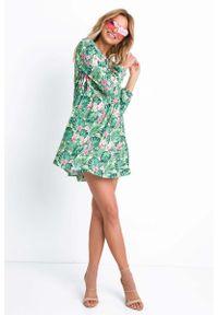 Fobya - Zielona Krótka Zwiewna Sukienka z Nadrukiem Monstery. Kolor: zielony. Materiał: poliester, elastan. Wzór: nadruk. Długość: mini