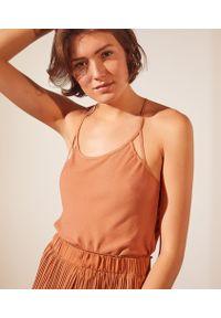 Beautiful Koszulka Z Paskami Na Plecach - L - Ochra - Etam. Kolor: pomarańczowy. Wzór: paski, aplikacja