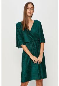 Sukienka Vila na co dzień, z krótkim rękawem, casualowa, mini