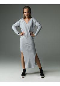 Szara sukienka z aplikacjami, wyszczuplająca