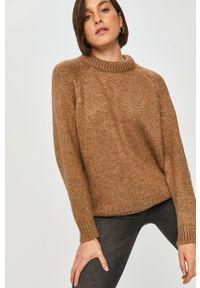 Answear Lab - Sweter. Okazja: na co dzień. Kolor: beżowy. Długość rękawa: długi rękaw. Długość: długie. Styl: wakacyjny