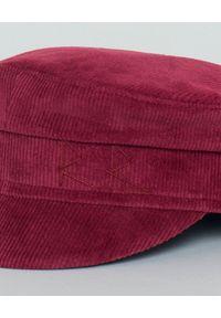 RUSLAN BAGINSKIY - Kaszkiet z aksamitu bordowy. Kolor: czerwony. Styl: elegancki