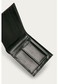 Diesel - Portfel. Kolor: czarny. Materiał: materiał. Wzór: gładki