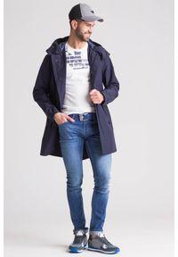 Emporio Armani - Granatowy wodoodporny płaszcz męski. Kolor: niebieski. Materiał: wełna #5