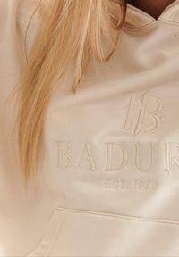 Born2be - Beżowa Bluza Badura Feanise. Okazja: na co dzień. Kolor: beżowy. Materiał: bawełna, materiał, poliester. Długość rękawa: długi rękaw. Długość: długie. Wzór: haft. Styl: casual