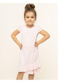 Różowa sukienka Guess prosta, na co dzień