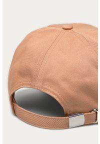 Różowa czapka z daszkiem Calvin Klein z aplikacjami