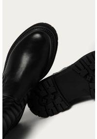 Czarne botki Answear Lab z cholewką, na średnim obcasie