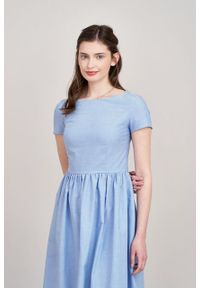 Marie Zélie - Sukienka Melania bawełniana oxford błękitna. Kolor: niebieski. Materiał: bawełna. Długość rękawa: krótki rękaw. Sezon: lato