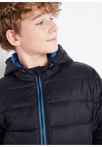 Kurtka zimowa chłopięca z kapturem bonprix czarno-lazurowy niebieski. Typ kołnierza: kaptur. Kolor: czarny. Materiał: poliester, materiał, poliamid. Sezon: zima
