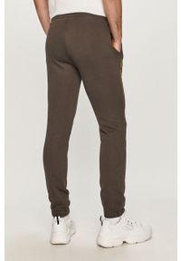 Szare spodnie dresowe Napapijri z nadrukiem