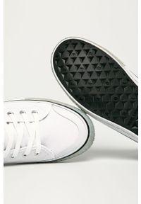 Białe wysokie trampki Karl Lagerfeld z okrągłym noskiem, z cholewką, na sznurówki
