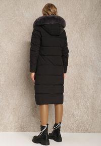 Renee - Czarna Kurtka Ampolis. Kolor: czarny. Materiał: tkanina, futro. Długość: długie. Wzór: aplikacja
