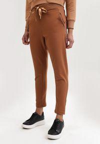 Spodnie dresowe Born2be