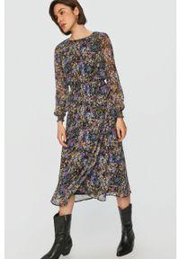 Fioletowa sukienka Answear Lab prosta, midi, w kwiaty